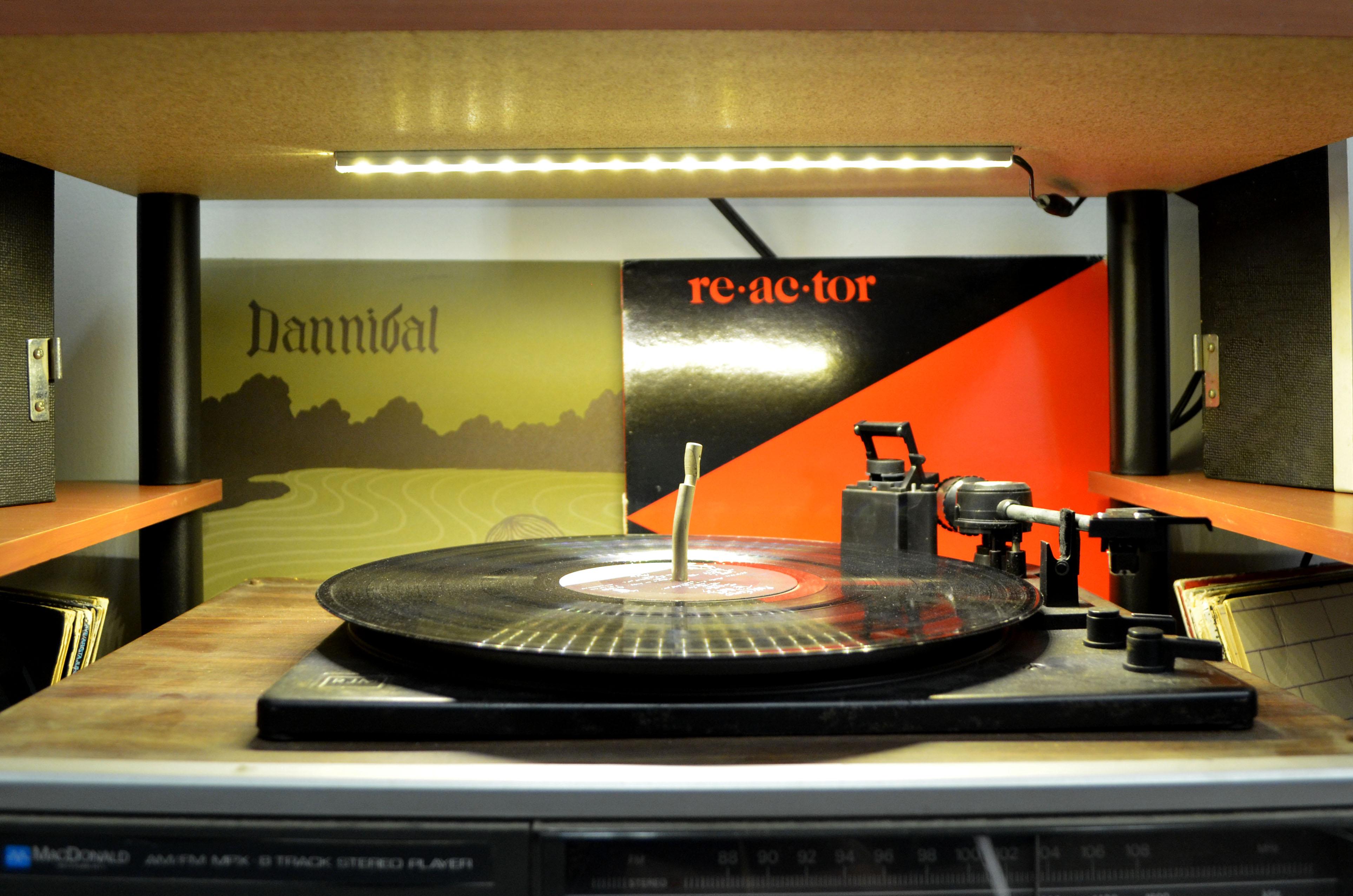 under shelf led lighting. DIY LED Record Player Light Kit Under Shelf Led Lighting